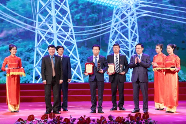 The 500 kV North – South transmission line: A pride of being a typical project of Vietnamese intelligence