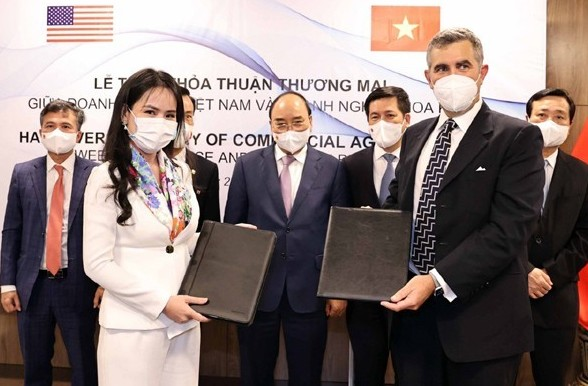 T&T and US partner cooperate to develop wind and solar power projects in Vietnam