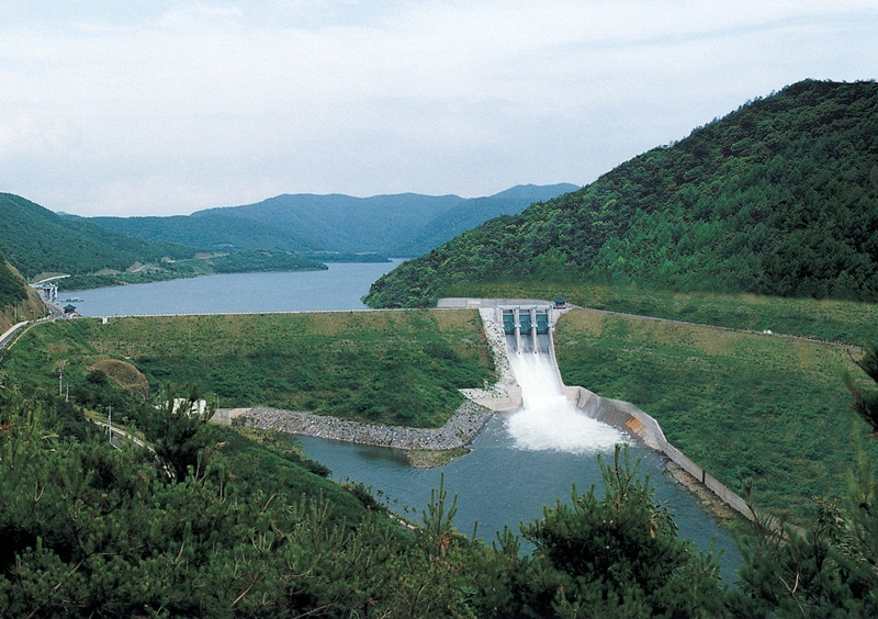 Proposing to adjust peak generation hours and tariff of avoided costs for small and medium hydropower projects