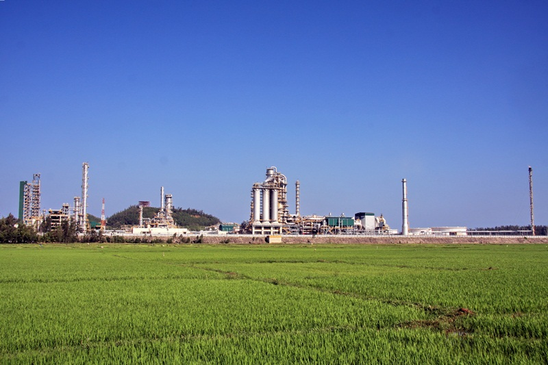 """Dung Quat Oil Refinery has achieved the Top 10 of """" Friendly Green Plants"""""""