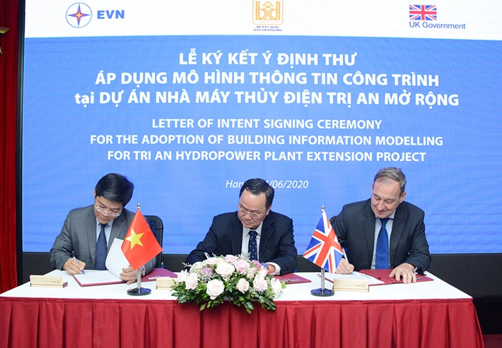 Signing LOI for BIM application at the Tri An extended HPP