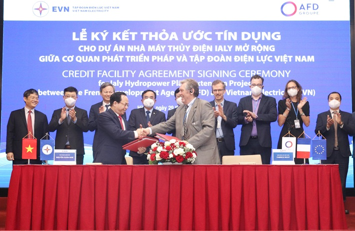 Signing credit agreement for Ialy extended Hydropower project