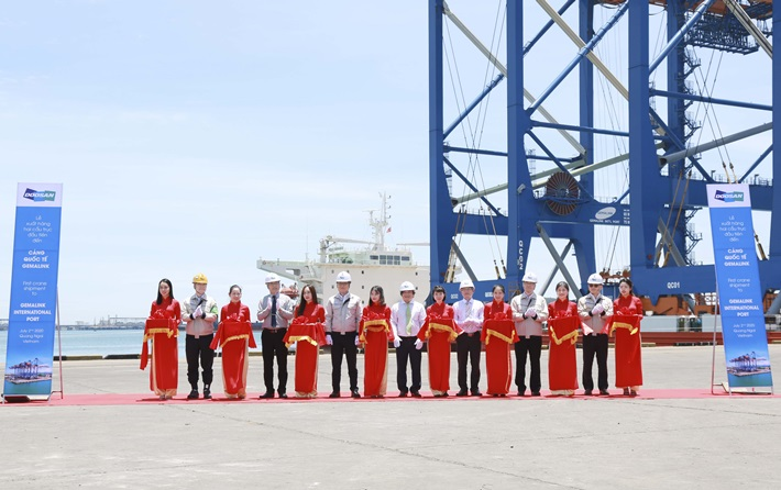 Doosan Vina to deliver two largest RMQC cranes to Gemalink International Port in Ba Ria - Vung Tau province