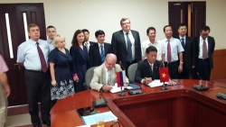 signing an agreement on building ninh thuan 1 nuclear power plant