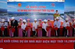 groundbreaking a 192mw solar power project in quang ngai province