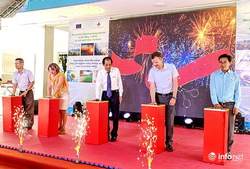 Establishing project for the rooftop solar power system funded by EU in Da Nang city