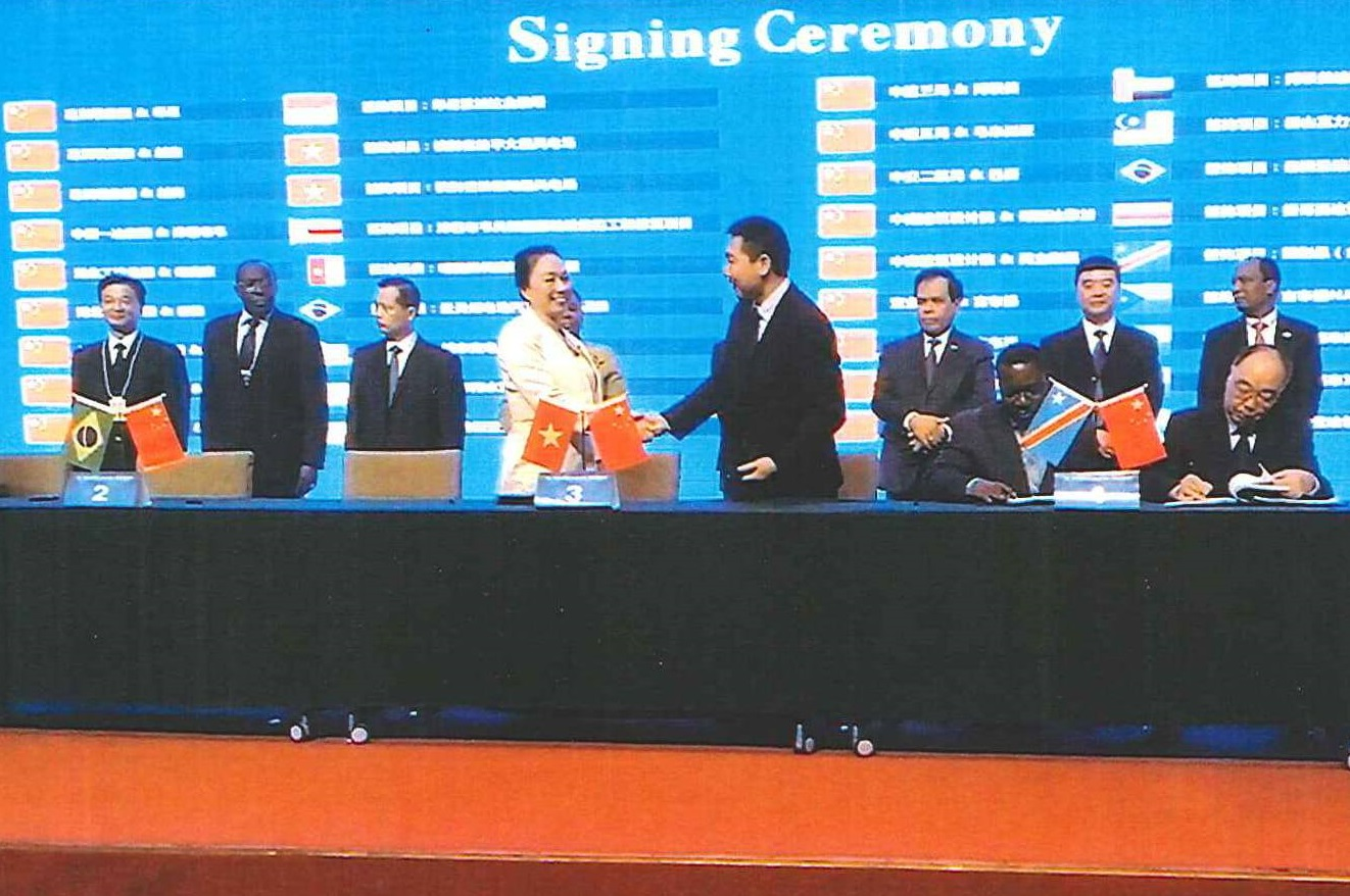 Queen Capital Finance Signed MOU to Jointly Develop 560 MW Wind Farms in Ben Tre Province, Vietnam