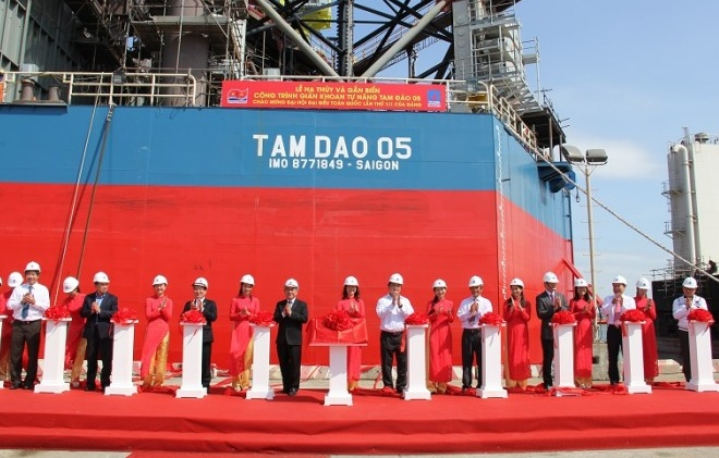 Launching the Tam Dao 05 Drilling rig