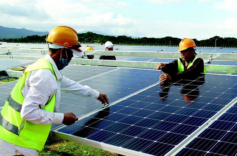 MOIT starts to inspect solar power development according to the Prime Minister's Direction