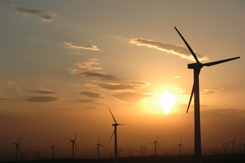 """The Prime Minister issued decision on """"ceiling price"""" for importing wind power from Laos"""