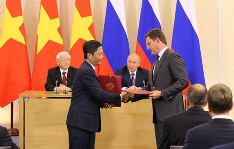 Vietnam and Russia have signed many new oil and gas cooperation documents